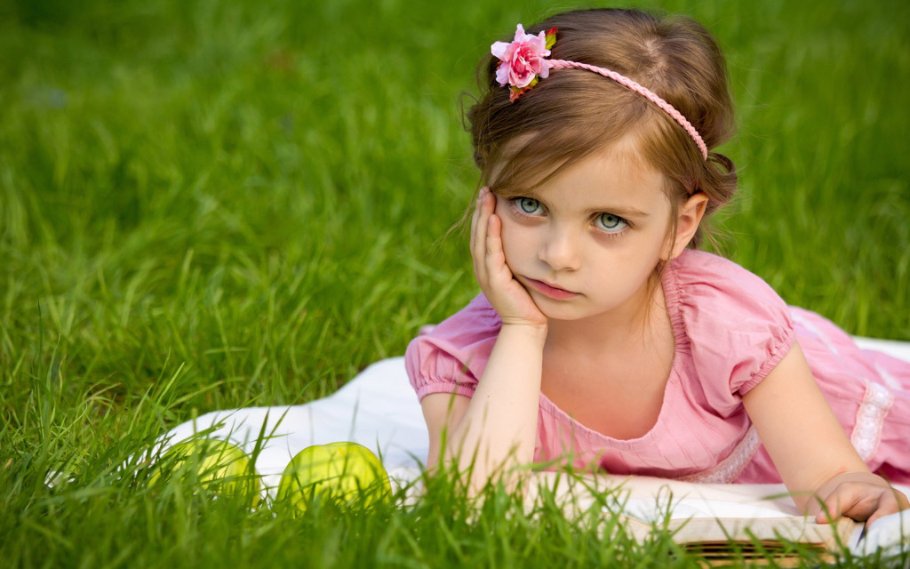 Cute Little Girl HD wallpapers - Cute Little Girl