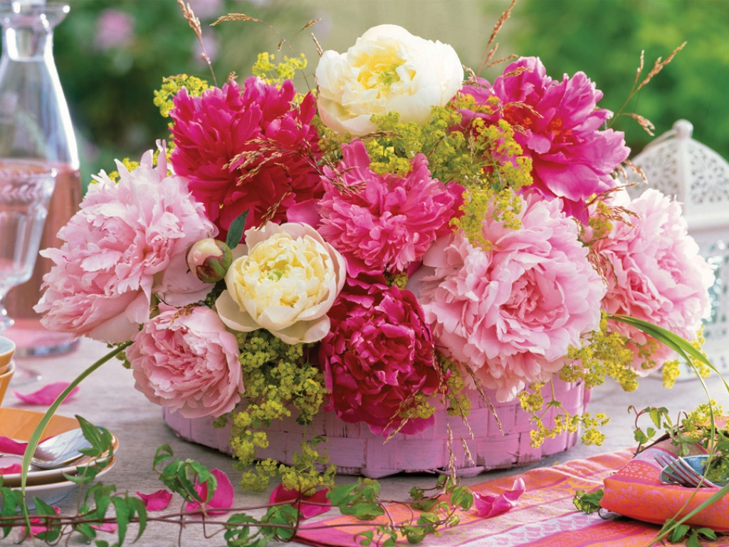 spring centerpiece flower wallpapers Spring Centerpiece Flower
