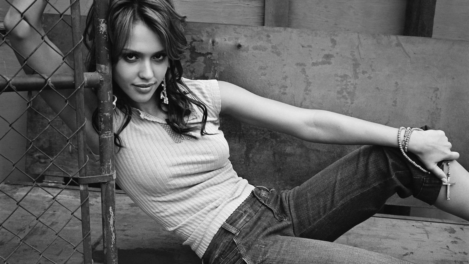 Jessica Alba Black And White HD Wallpaper Jessica Alba Black And White Wallpaper