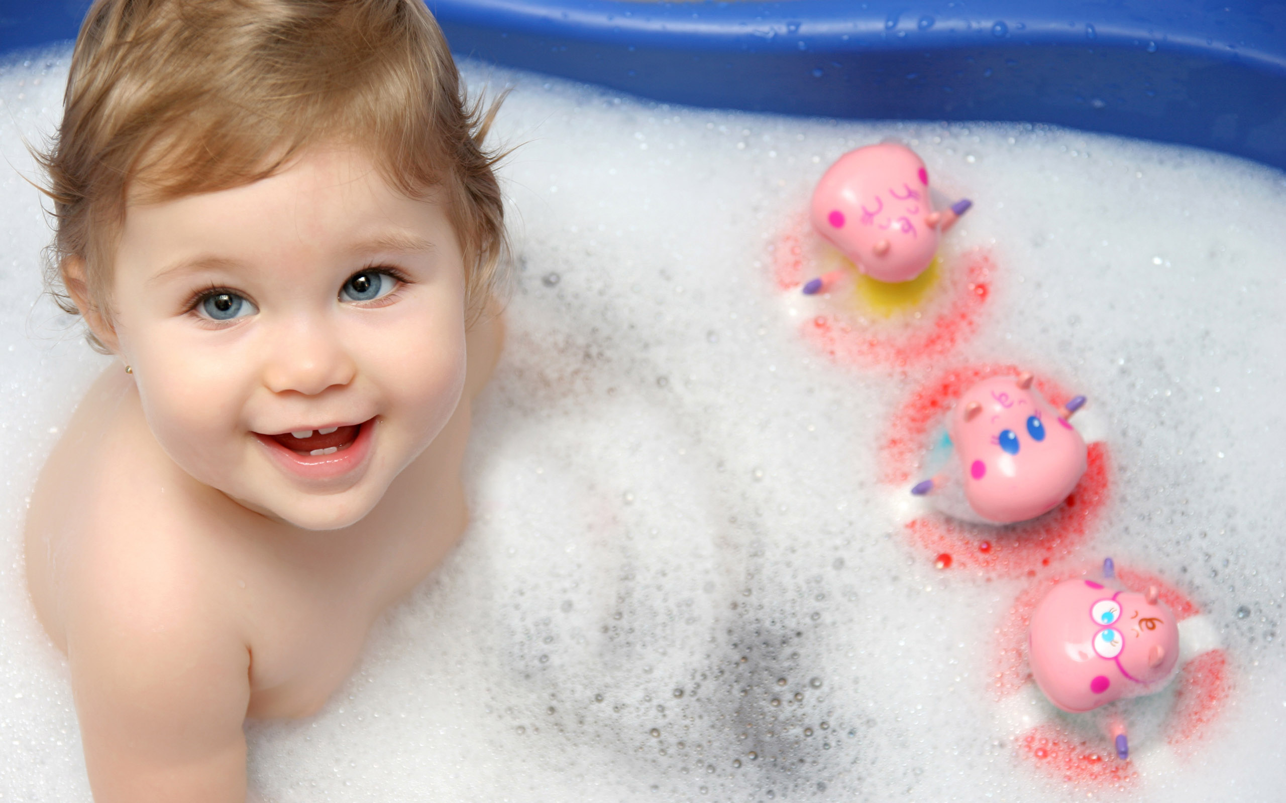 Cute Baby Bath Wallpapers, Cute Baby Bath Download, Cute Baby Bath Wallpaper