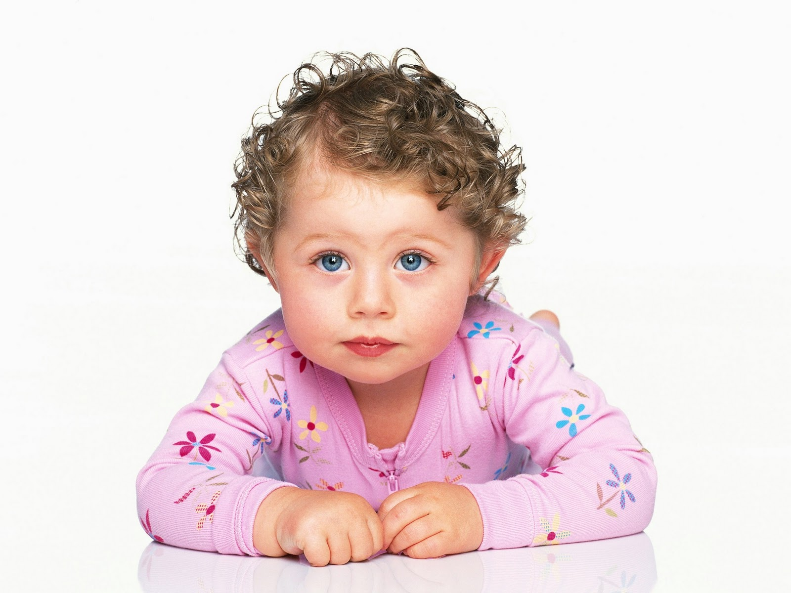 Cute Baby Girl Child Picture Wallpaper