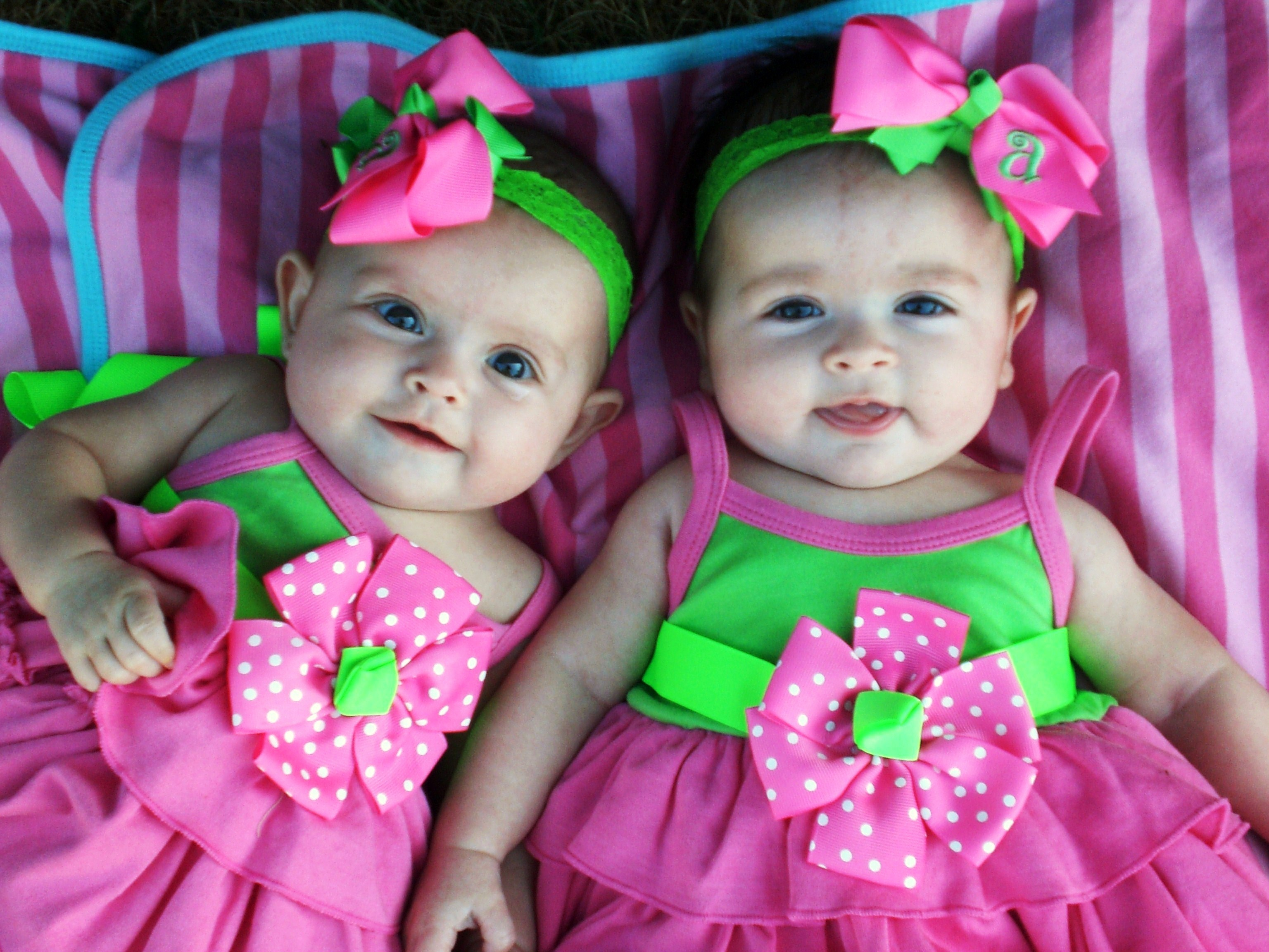 Girls Are 4 Months Old. Cute Dresses, Sibling Jealousy Continues, And Wallpaper