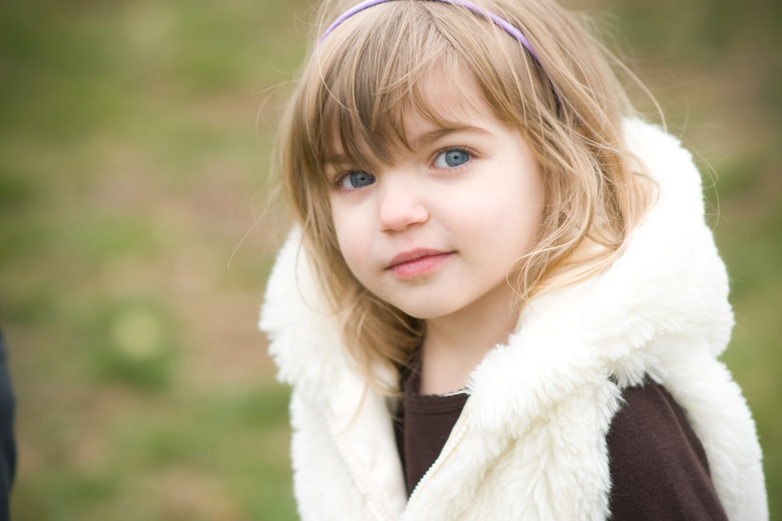 Beautiful Smile Young Girl HD Wallpapers   Beautiful Smile Young Girl Wallpaper