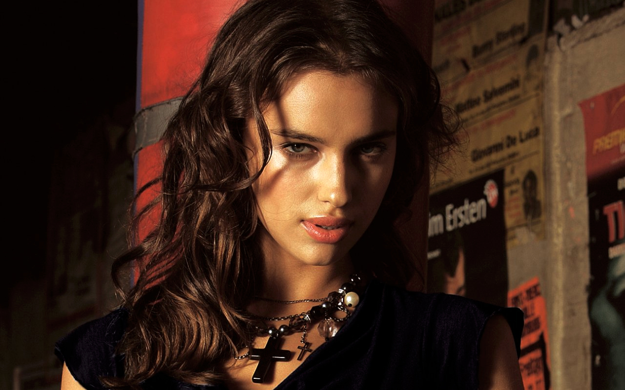 Description From Irina Shayk Close Up Wallpaper Irina Shayk Close Up Wallpaper