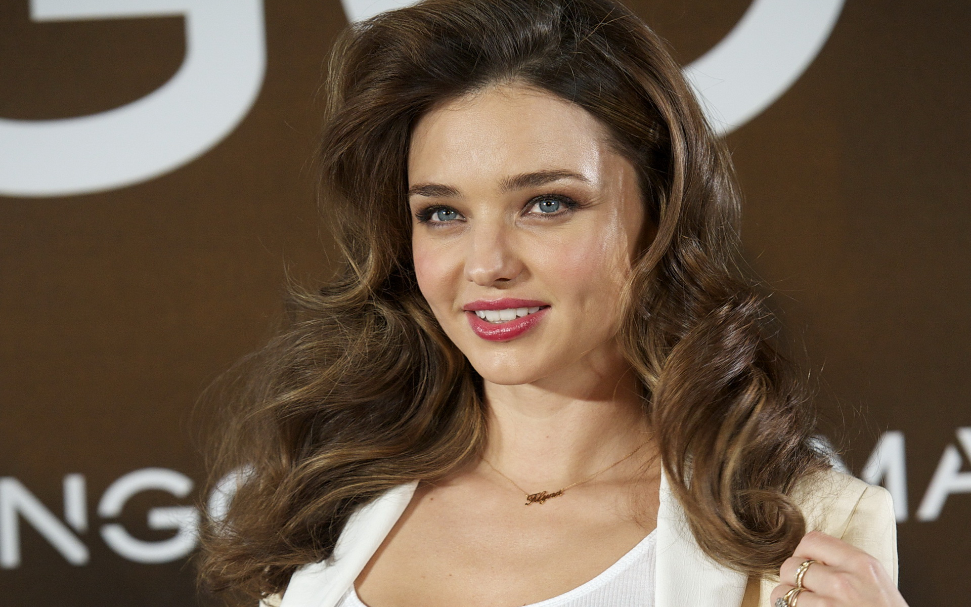 Miranda Kerr HD | Famous Wallpapers Wallpaper