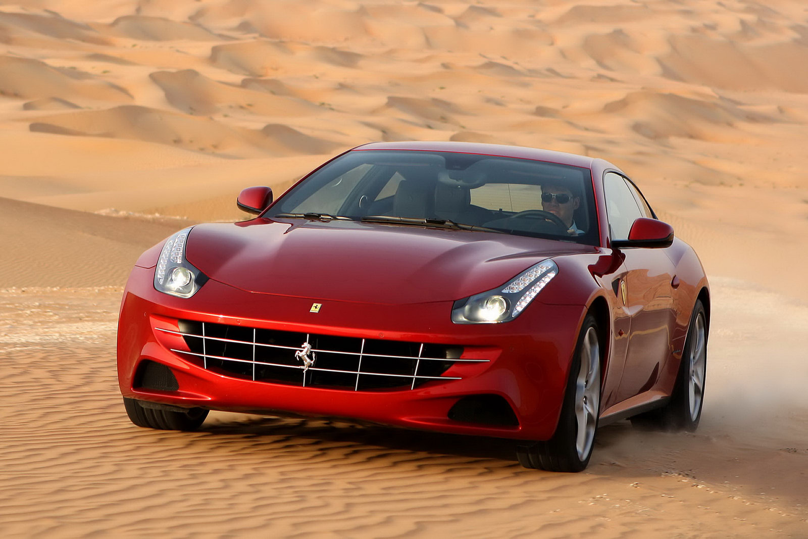 Labels: 2011 , Ferrari FF , Pictures , Supercars Wallpaper