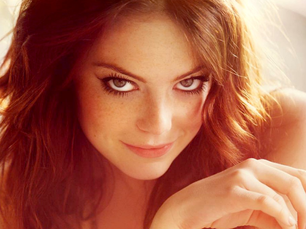 Emma Stone Sultry Wallpaper HD Desktop Wallpaper