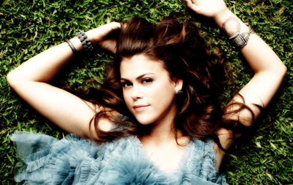 Lindsey Shaw HD Wallpaper Wallpaper