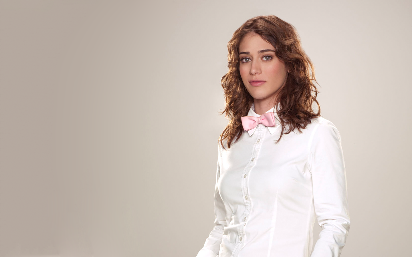 Lizzy Caplan Fresh New Hd Wallpaper Wallpaper