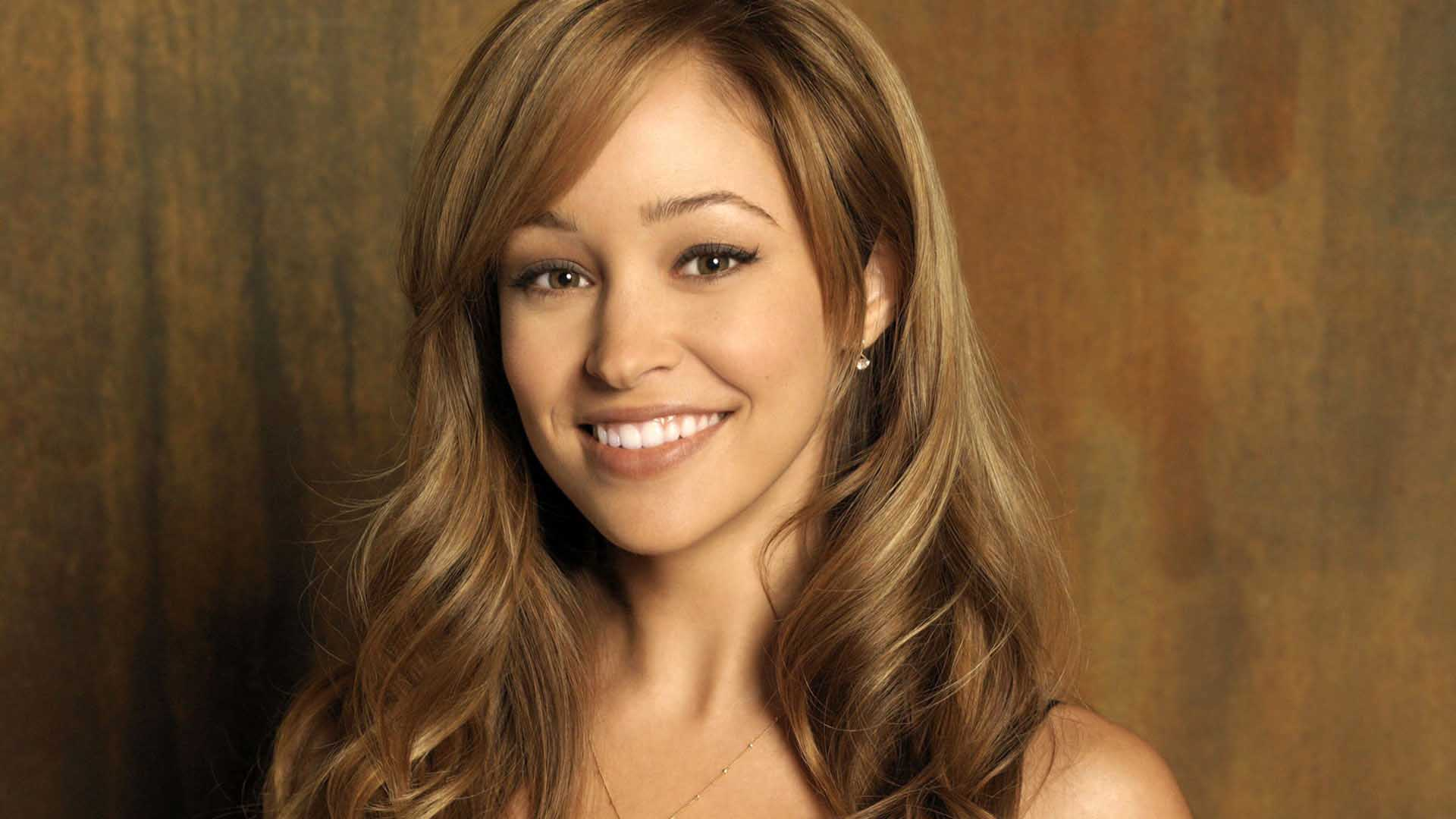 Autumn Reeser hd wallpaper Wallpaper