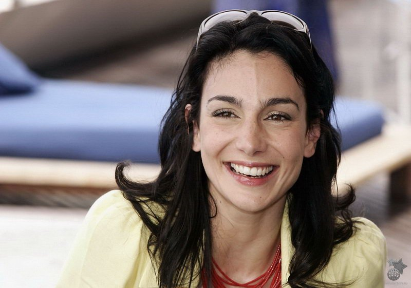 Annie Parisse Celebrity Wallpaper HD Wallpaper