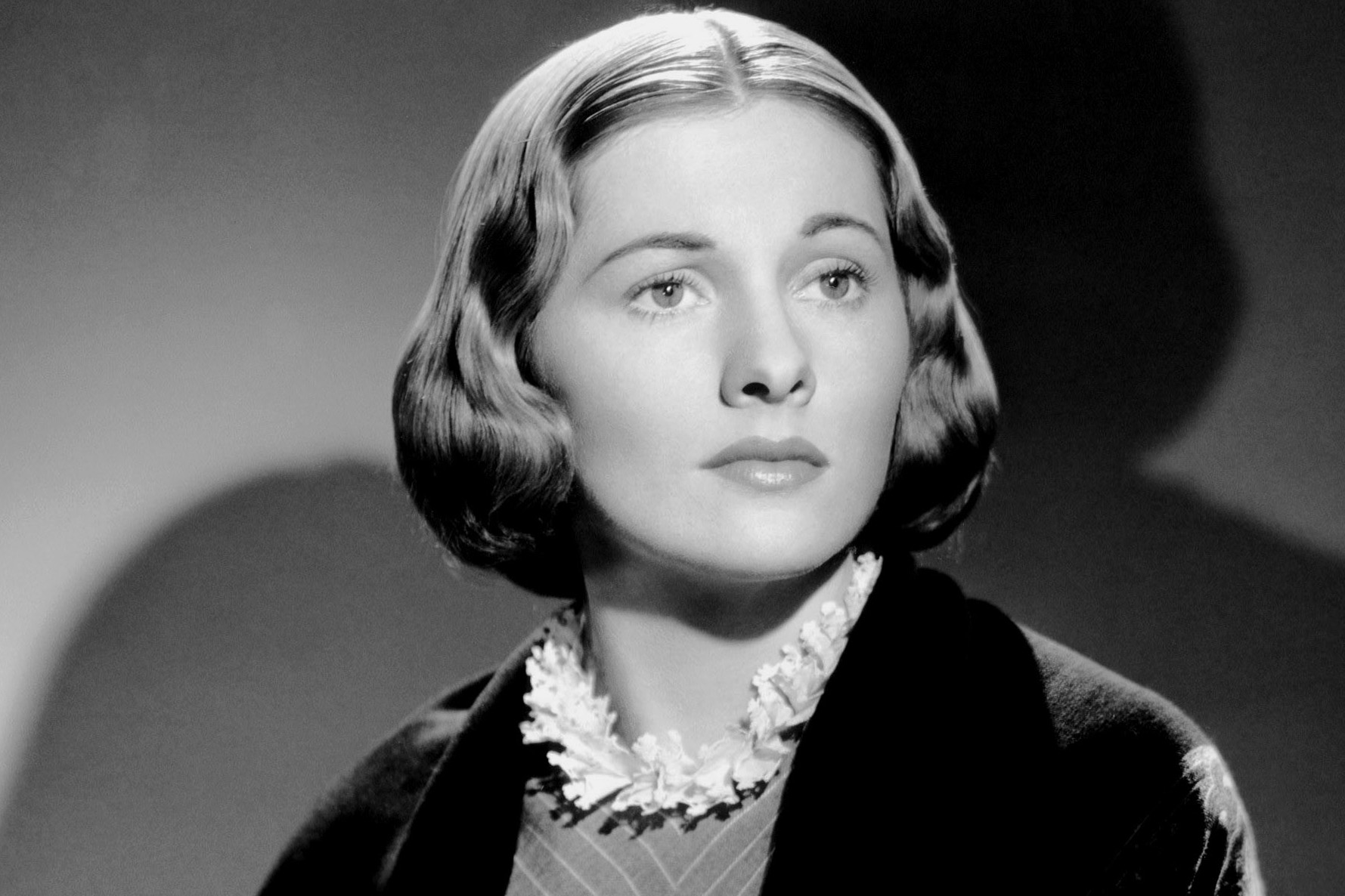 Joan Fontaine hd wallpaper Wallpaper