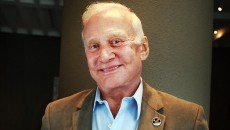 Buzz Aldrin wants a human colony on Mars by the 2030s