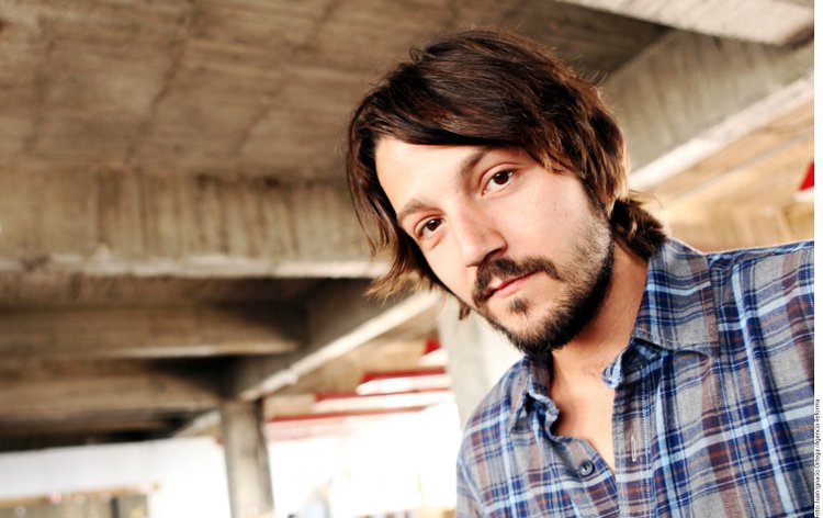 Download Diego Luna HD Wallpapers Wallpaper
