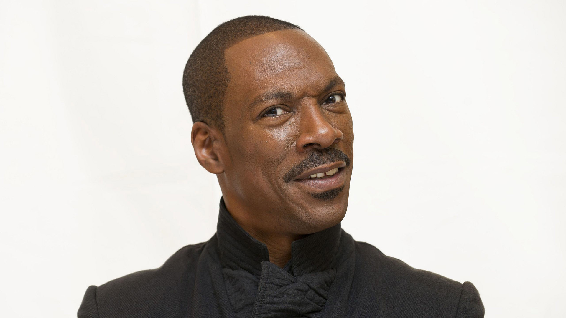 Eddie Murphy Popular Comedian hd wallpaper Wallpaper