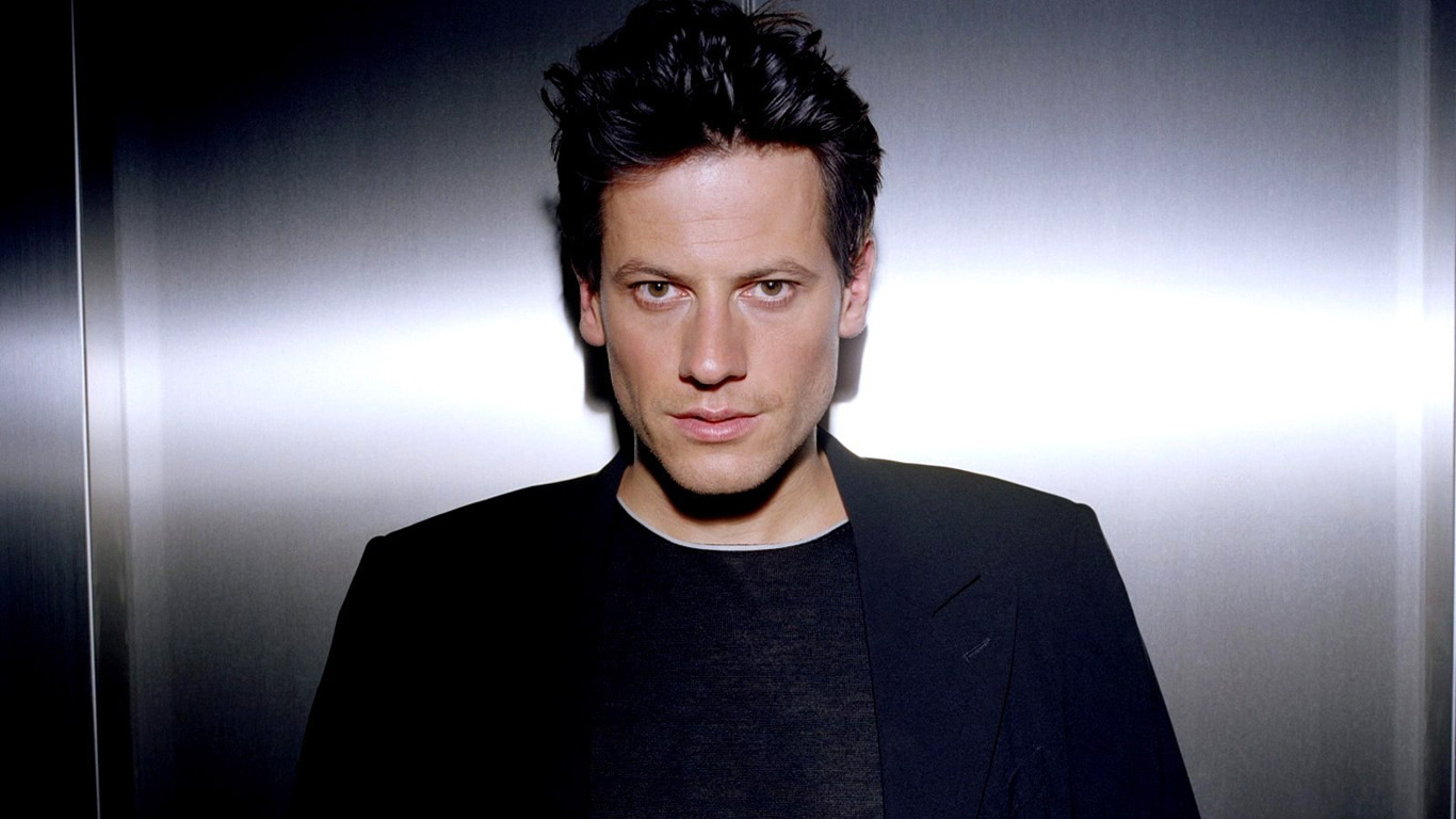 Ioan Gruffudd  New Photoshoot HD Wallpaper Wallpaper