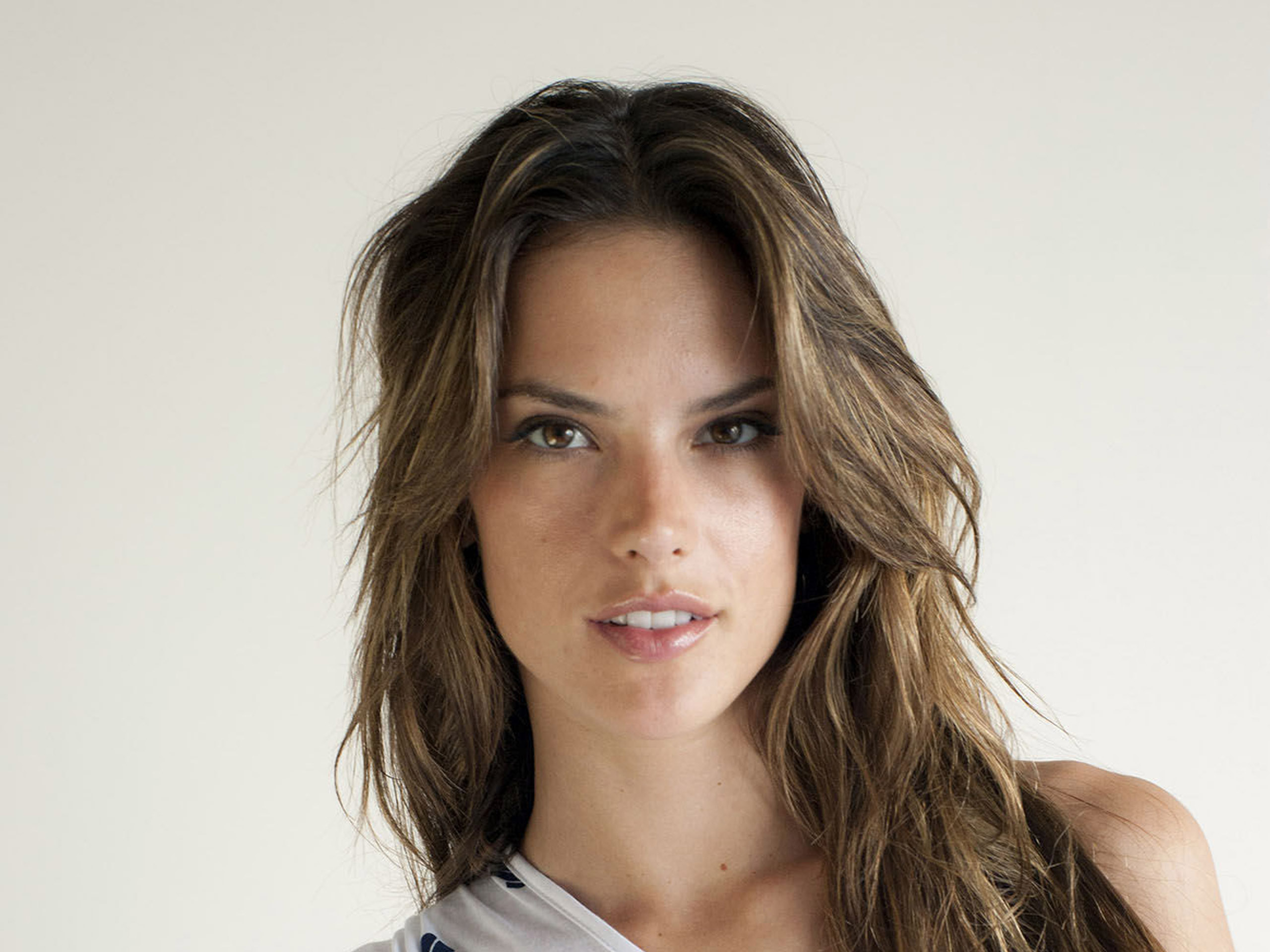 Alessandra Ambrosio Wallpapers HD Wallpaper