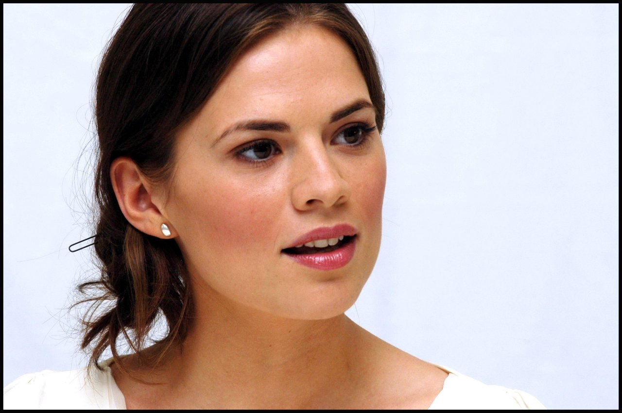 Hayley Atwell hot full hd photo Wallpaper