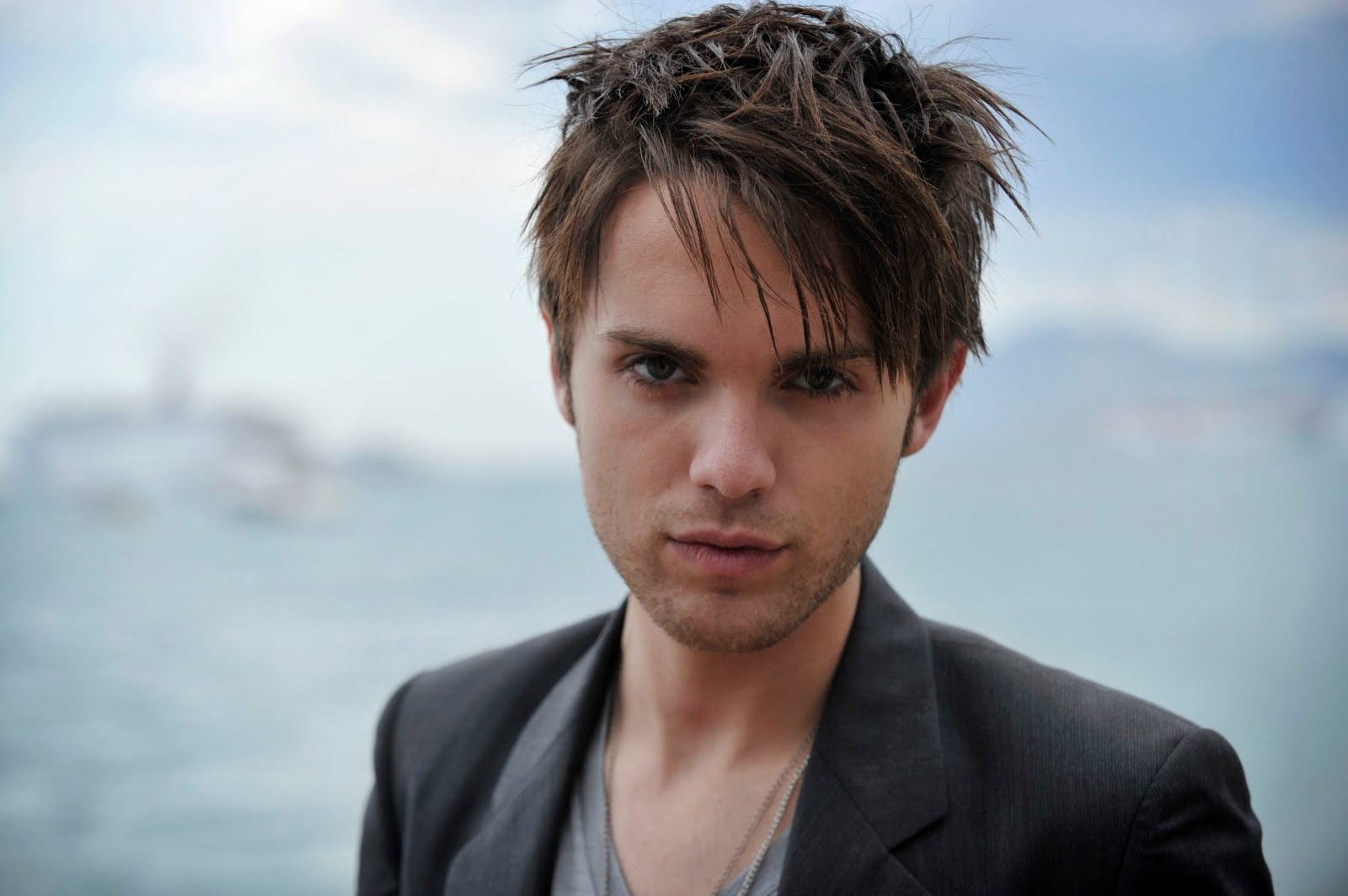 Thomas Dekker hd wallpaper Wallpaper