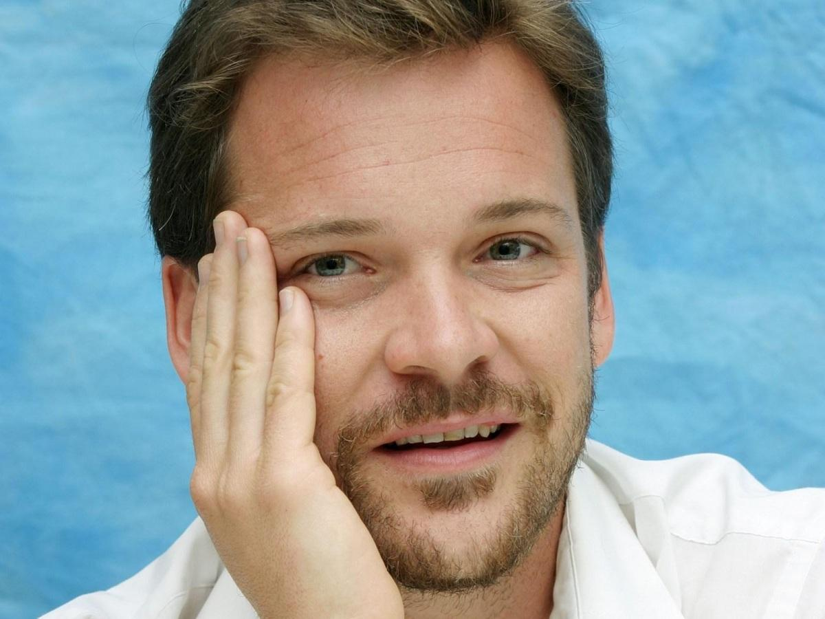 Good Quality Peter Sarsgaard HD Wallpaper Wallpaper