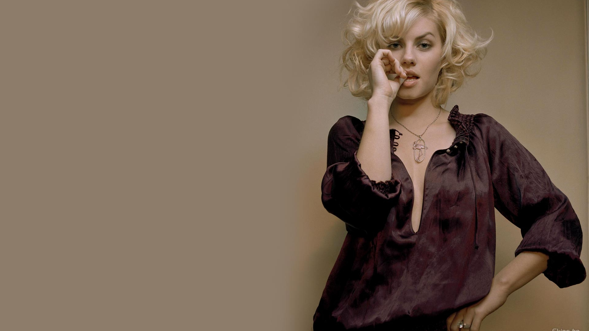 Fresh Elisha Cuthbert  hot full hd photo Wallpaper