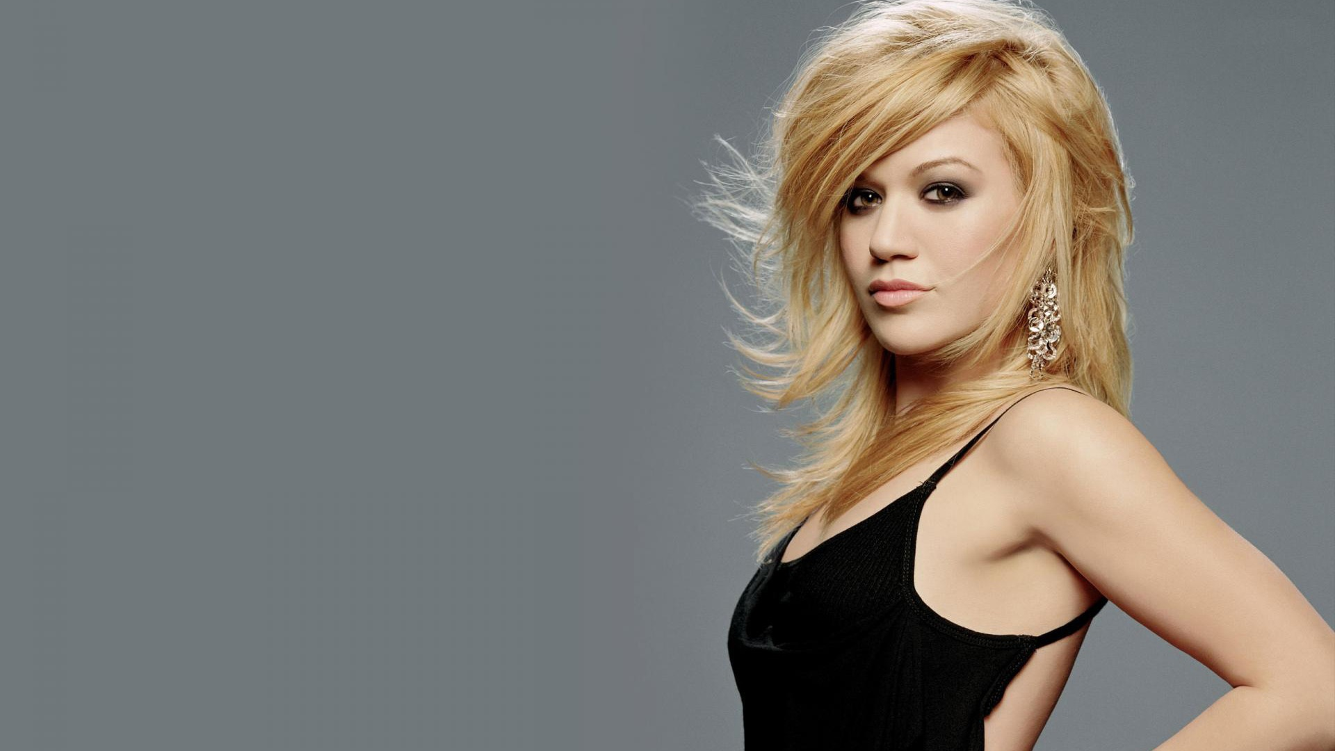 Fresh Kelly Clarkson  Wallpaper HD Wallpaper