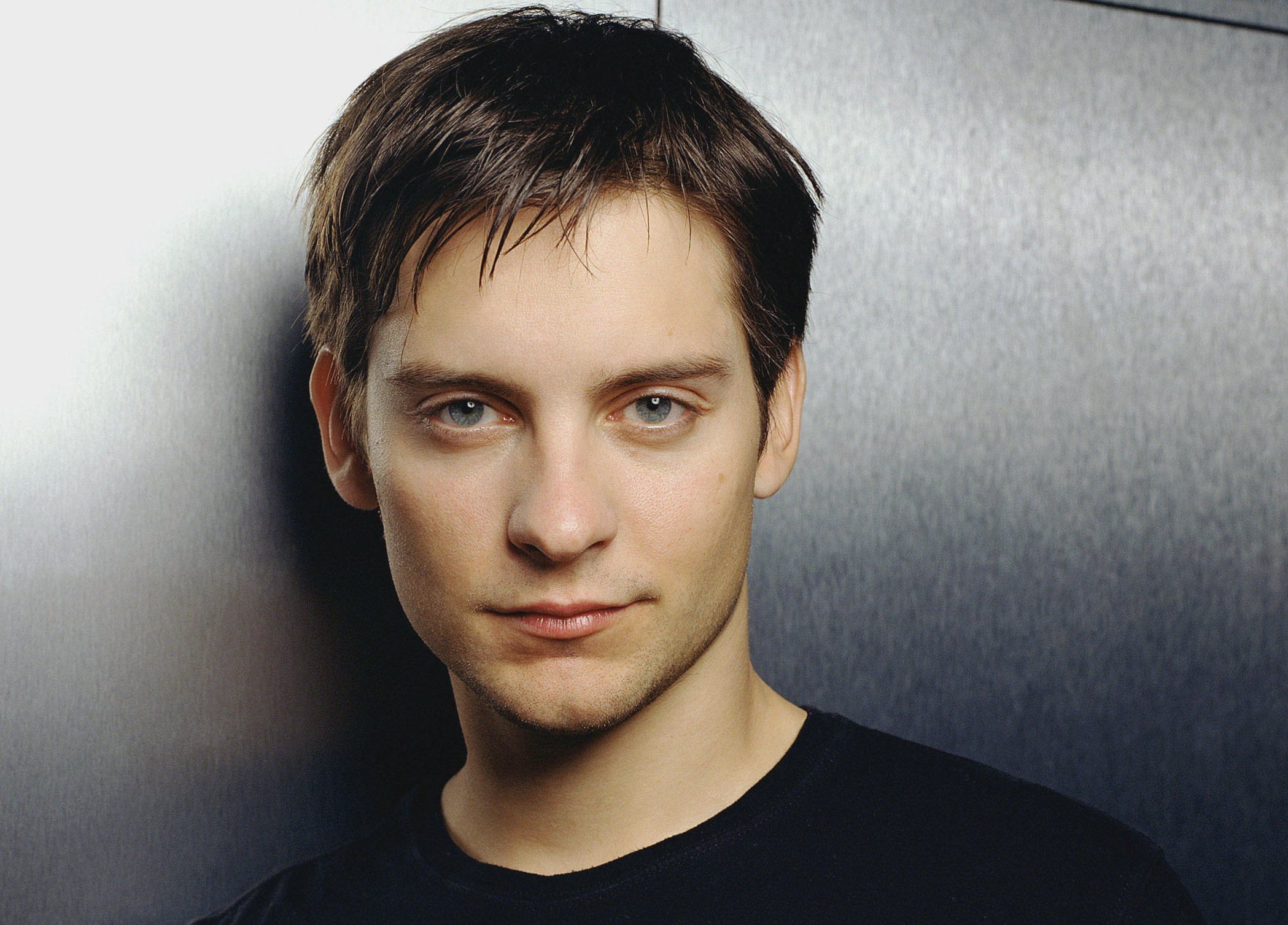 Tobey Maguire  hd wallpaper Wallpaper
