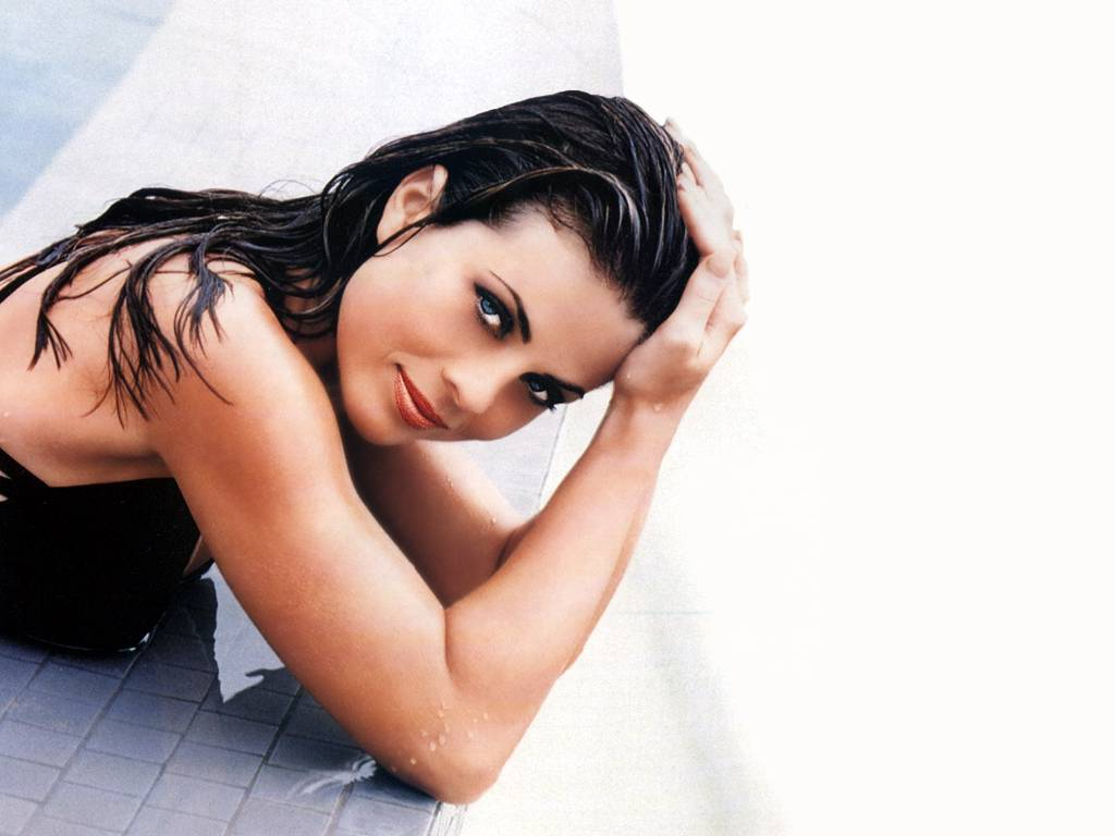 Yasmine Bleeth Hot HD Wallpaper Wallpaper