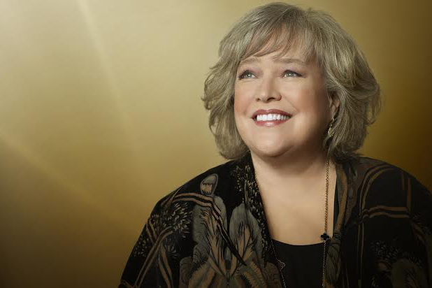 Kathy Bates  hd wallpaper Wallpaper