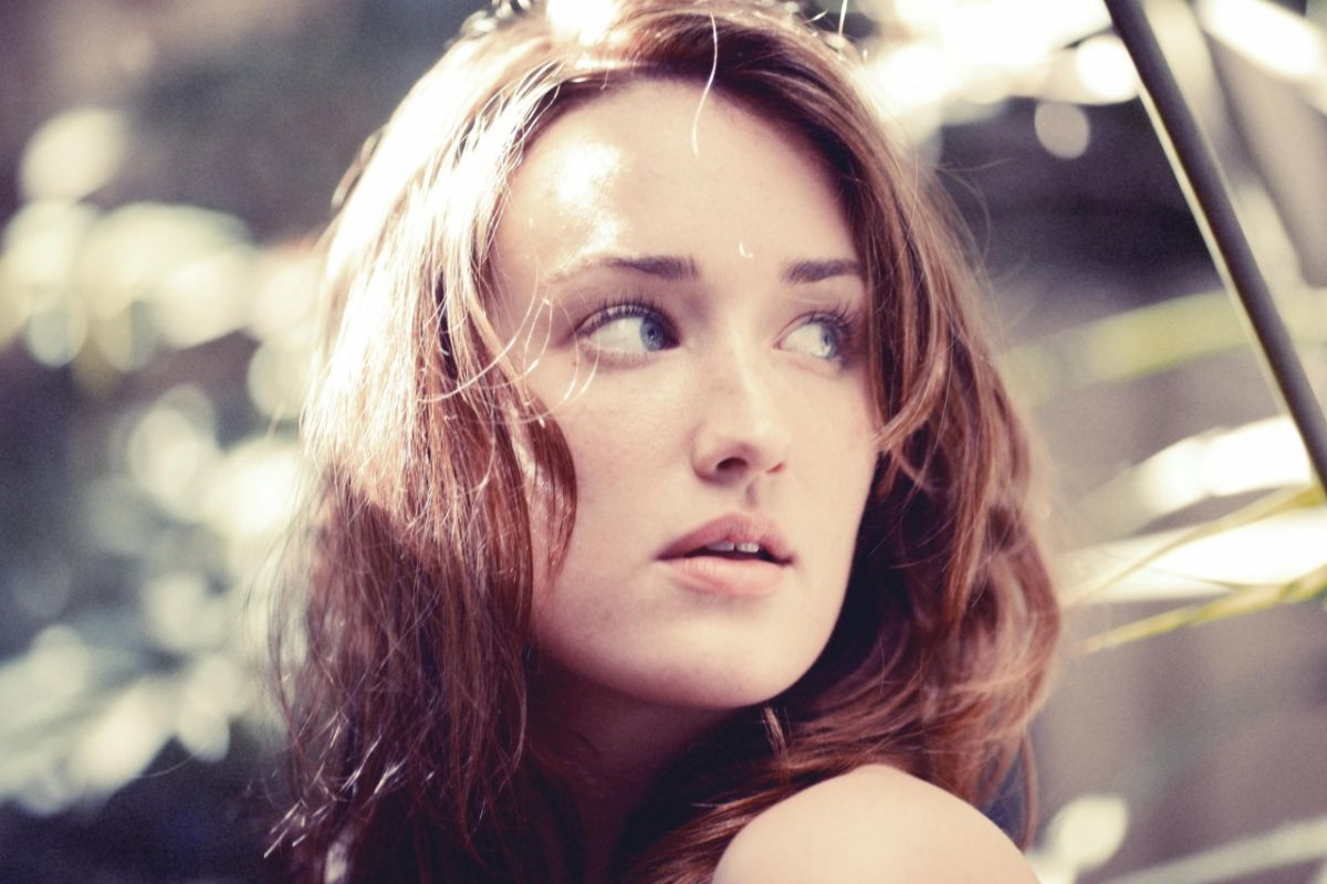 Ashley Johnson hot full hd photo Wallpaper